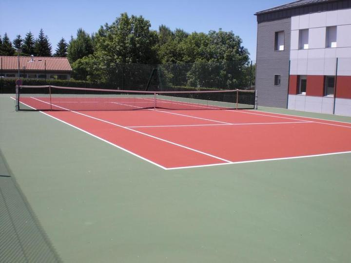Court de tennis Coucouron